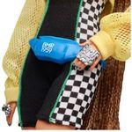 boneca-barbie-colecionavel-serie-heranca-fashion-cabelo-trancado-bike-shorts-mattel-GHT91_detalhe5
