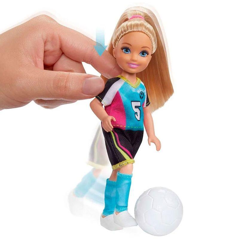 boneca-barbie-barbie-dreamhouse-adventures-chelsea-futebol-com-cachorrinhos-mattel-GHK37_Detalhe2