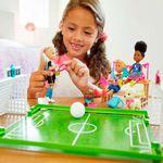 boneca-barbie-barbie-dreamhouse-adventures-chelsea-futebol-com-cachorrinhos-mattel-GHK37_Detalhe5